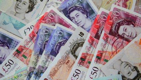 В налоговую службу Британии не поступают десятки миллионов фунтов