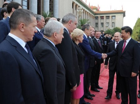 Визит Владимира Путина в Пекин: подписано более 30 соглашений