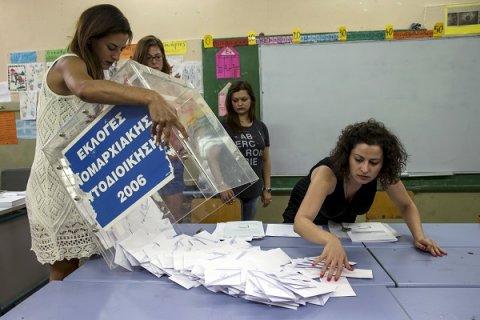Греция напоминает: демократия - это не власть капитала