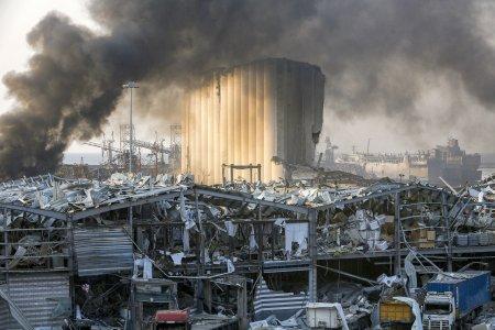 Мощный взрыв в Бейруте, более сотни погибших и тысячи раненых.